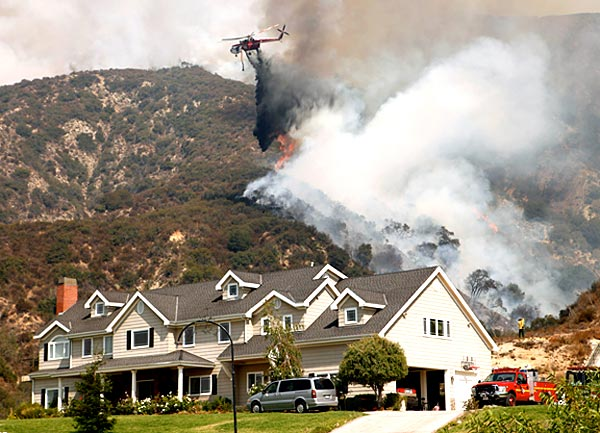 La Cañada Flintridge fire (Al Seib Los Angeles Times)