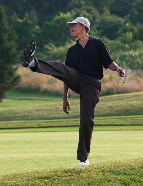 President Obama Plays Golf While The Nation Suffers (1/3)